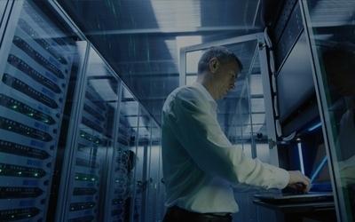 Simplificação e alta capacidade com arquitetura de armazenamento de TI da nova geração
